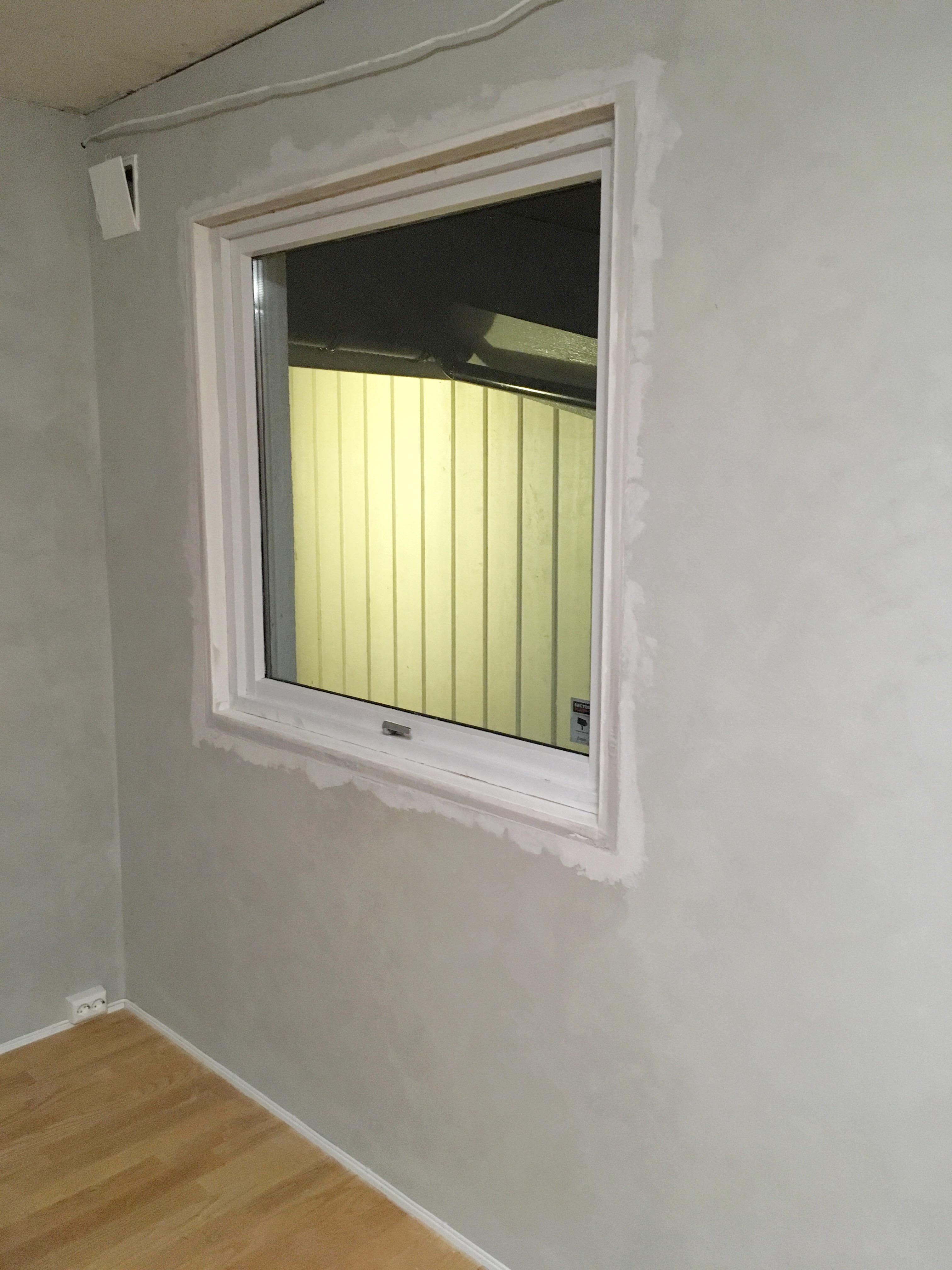 Male vinduer innendørs